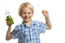 enfant-spiruline-vitamines-ado-examen-fatigue-spiruline et jus de fruits