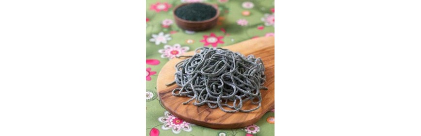 Fresh pasta with spirulina